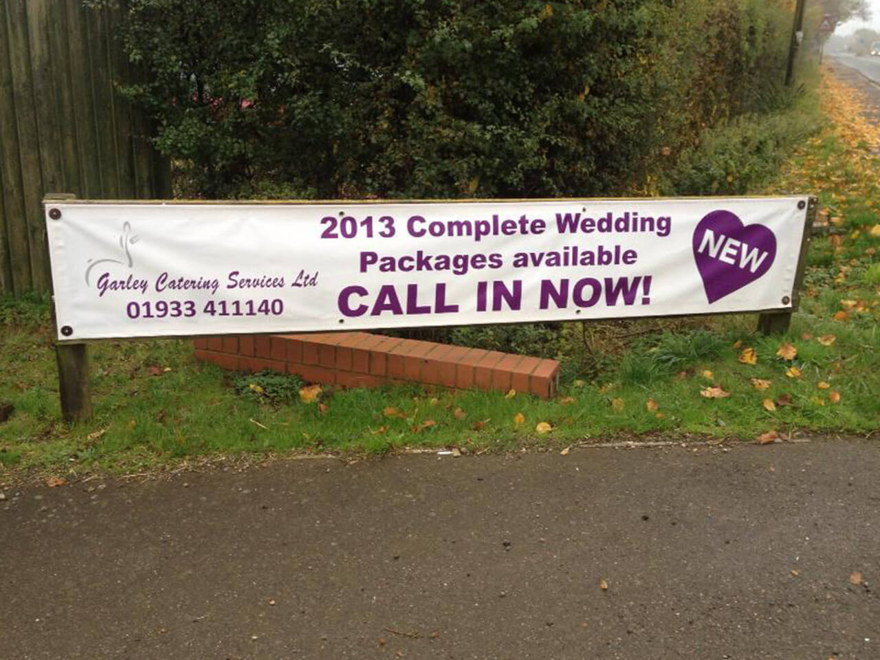Banner Printing, Mesh banners, Pop up banners Rushden, Bedford, Wellingborough, Kettering